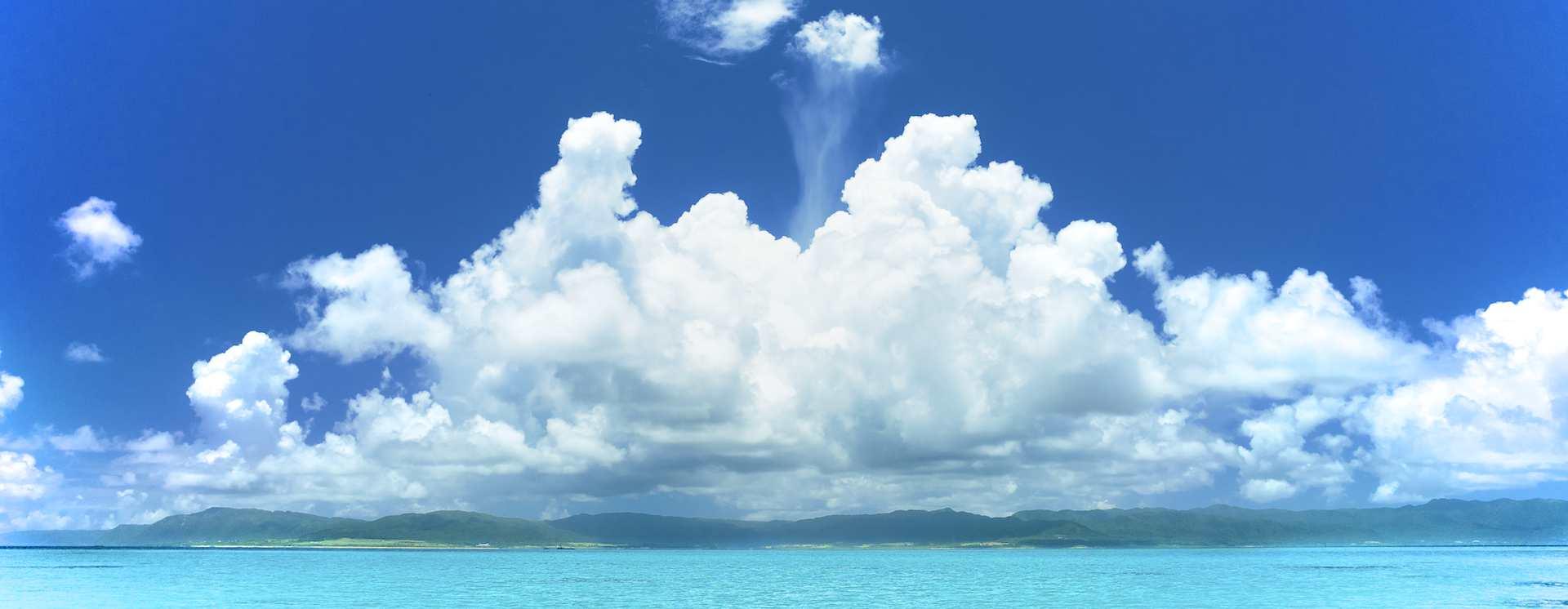 西表島に降る雨