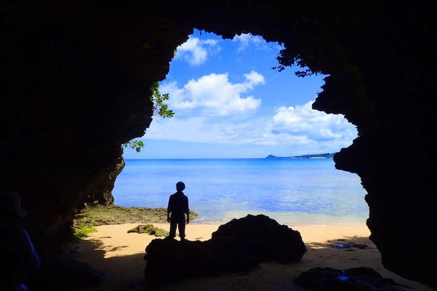 海に出れる石垣島の鍾乳洞