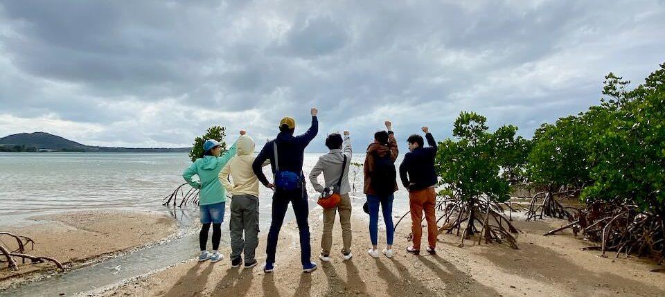 マングローブ林で記念写真