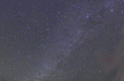 吸い込まれそうな夜空